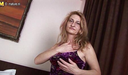 Lusso italiano Valentina Nappi fa un pompino video amatoriale nel culo e si siede sul cazzo
