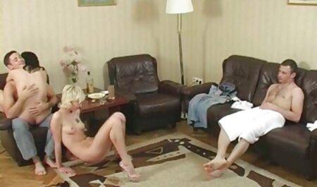 Due magro biondo sex tube amatoriali indulgere in lesbica amare su il porch