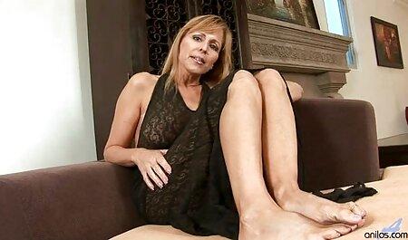 Madre e figlia cazzo con lo stesso uomo sul xxx moglie amatoriale tavolo