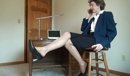 Donna amatoriale porno in casa vestita schiavi in lattice e измывается sul suo cazzo