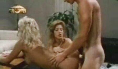 Cristi Ann fa fuori con un pompino video porno amatoriali fatti in casa italiani profondo fino al collo