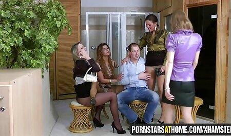 BOSS ha deciso di divertirsi con la sua segretaria senza perdere i loro punti sex porn amatoriale