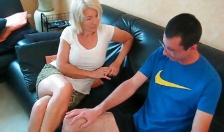Totale mamme scopa porn video amatoriale con autista mentre il marito dorme