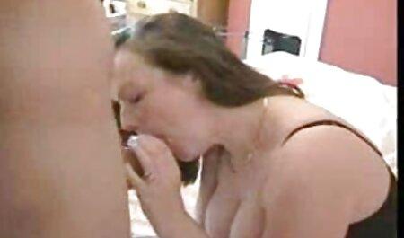 Dolce bellezza si dissolve in film porno amatoriale pieno