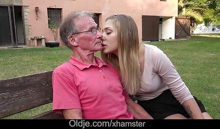 Posa nel parco per sedurre amatoriali video xxx un uomo e fare sesso