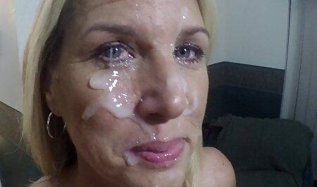 Affascinante ragazza in un rosso маечке, vuole fare sesso orale con il suo nuovi video porno amatoriali italiani fidanzato che è vicino la ragazza ha fatto una chiara allusione al giovane di voler fare sesso
