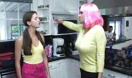 Il webcam italiana xxx giovane donnaiolo scopa la sua ragazza e il suo migliore amico