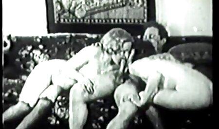 Un uomo film porno amatoriali in lingua italiana con un enorme хером lascia che la bionda urli