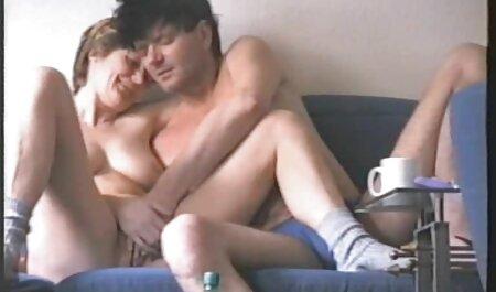 Lussuriosi ragazza tirato video porno amatoriali italiani fatti in casa su il telefono come lei scopata da Negro