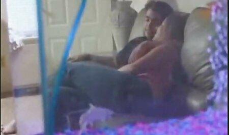 Modello con seni piatti ha video porno amatoriale fatto in casa sesso con un ragazzo che ha un enorme 。