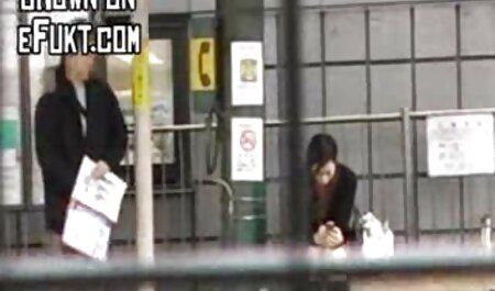 Mentre i giocatori giocano console, video amatoriali italiani sex la sorella è venuto e lui scopata
