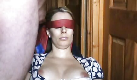La ragazza ha mostrato tette enormi su Skype video hard amatoriali italiani gratis