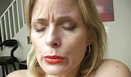 Elite troie nella vasca da video orgasmi amatoriali bagno