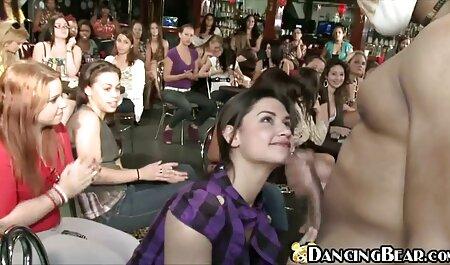 Angela bianco e xxxvideo amatoriali Karlee grigio indulgere in amore lesbico