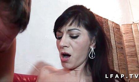 Macho tatuato trasformato dalla porn video amatoriali mancanza di entrambe le ragazze cattive dell'agenzia