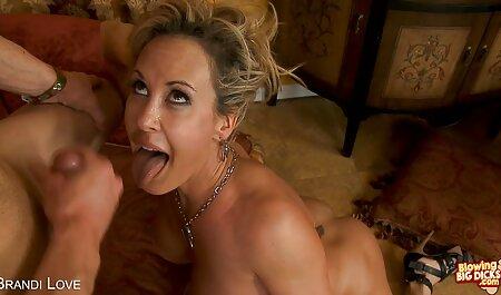 Tre lesbiche in tacchi Fanculo ogni altro con loro dita mentre filme porno amatoriale gratis indossare underwear